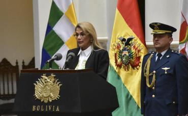 Bolivia: Jeanine Áñez, presidenta interina, pidió renuncia de todos sus ministros