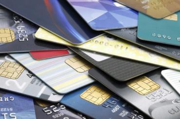 Tarjetas de créditos: vencimiento de septiembre podrá pagarse en 12 cuotas con 40% de interés