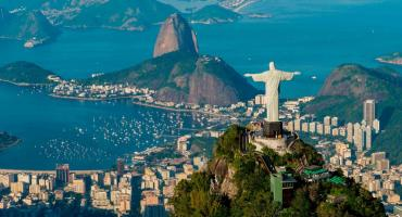 Por falta de agua corriente, aumenta demanda de agua embotellada en Río de Janeiro