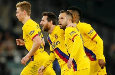 Con un Messi inspirado, Barcelona venció al Betis y se mantiene en la pelea por el título