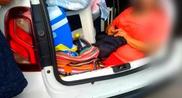 Argentino fue multado en Brasil: llevaba a su suegra en baúl del auto
