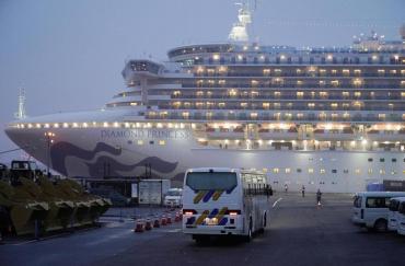 Confirman 99 nuevos casos de coronavirus en crucero en cuarentena de Japón