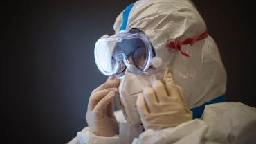 Superpropagación de coronavirus: mujer en secta habría infectado a decenas de personas