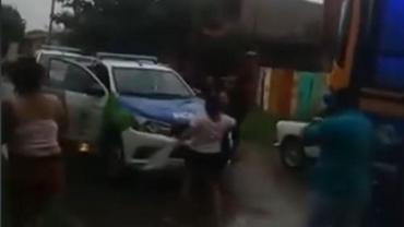 Video: delincuente subió a colectivo a robar y pasajeros lo detuvieron en Isidro Casanova
