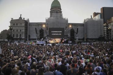 Masiva marcha en Congreso por Fernando Báez Sosa: