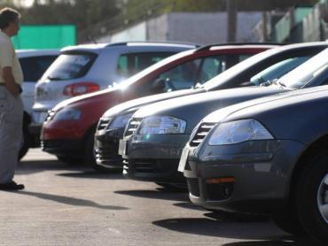 La venta de 0km por financiación cayó más del 50% interanual en enero