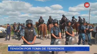 Tensión en toma de terrenos en Los Hornos: