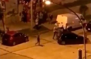 Otra pelea brutal a la salida de un boliche de la costa: lo atropelló y huyó