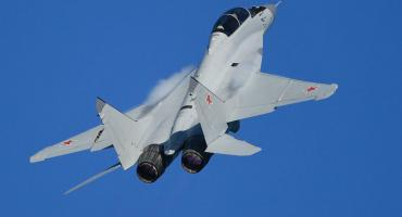 Aviones rusos de combate MiG-35 aterrizarán en piloto automático