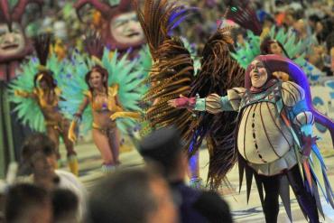 Feriado largo de carnaval a pleno: récord de turistas en los principales destinos del país