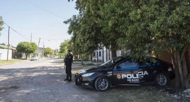 Rosario violenta: policía custodia las casas de integrantes de clanes narco