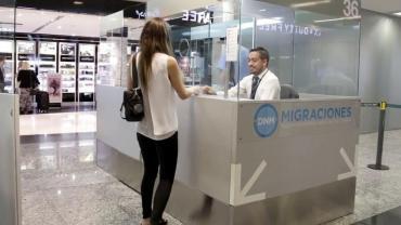 Coronavirus: prohíben por 30 días ingreso a extranjeros no residentes de