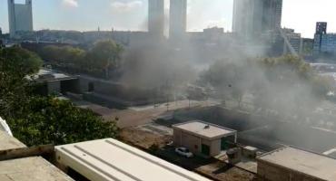 Se incendió un camión en pleno Paseo del Bajo