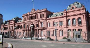 Se oficializó el pago en cuotas del medio aguinaldo para parte de trabajadores estatales