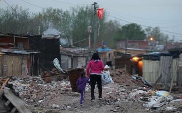 En plena cuarentena, parte del Conurbano no tiene agua y hay más de 3 personas por habitación