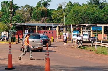 Coronavirus en Argentina: gobernador de Misiones denunció que sigue entrando gente desde Brasil