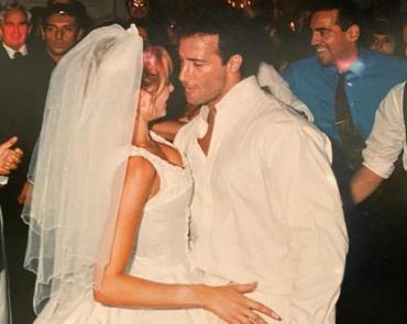 Catherine Fulop mostró fotos de su fiesta de casamiento, a 22 años de haber dado el sí con Osvaldo Sabatini