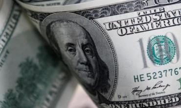 El dólar ilegal bajó a $123 y el Banco Central vendió U$S100 millones