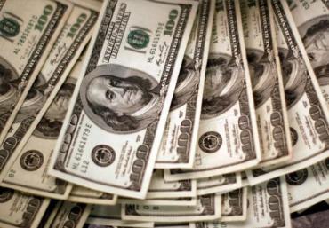 Precio del dólar blue cerró la semana en alza a $172 y el Banco Central volvió a vender divisas