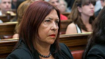 Piden que se investigue la denuncia de Ana María Figueroa sobre presiones de Mesa Judicial de Macri