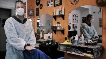 Reapertura escalonada en Ciudad y Provincia: volverían comercios, peluquerías y actividad física