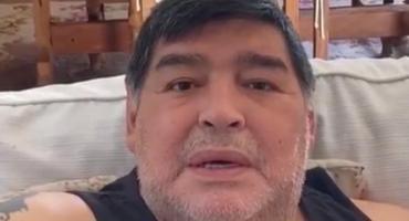 Maradona se emocionó al recordar su infancia en Villa Fiorito en un video solidario