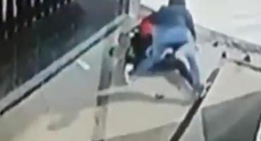 Salvaje intento de robo: amenazó a mujer con botella de vidrio y la arrastró por una mochila