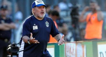 ¿Sigue Maradona en Gimnasia? detalles de la negociación clave para su continuidad