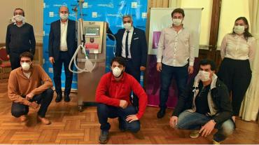 Empezaron a producir los primeros respiradores con piezas argentinas con la Universidad de Rosario
