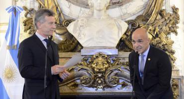 """Denuncian espionaje ilegal en el gobierno de Macri: seguimientos, filmaciones, fotos y listado secreto de políticos, empresarios y periodistas """"pinchados"""""""