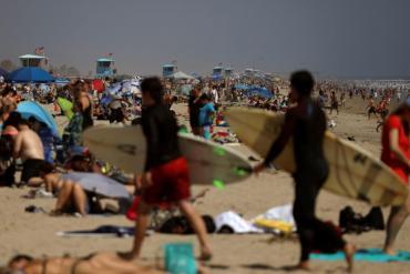 Coronavirus en EE.UU.: miles de personas llenaron playas y parques pese a las recomendaciones