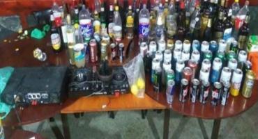 Detuvieron a 25 jóvenes por hacer una fiesta electrónica en Miramar en plena cuarentena