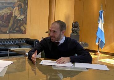 Argentina mejoró la oferta por deuda a los acreedores y siguen las negociaciones