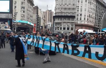 Incidentes en la marcha para pedir por el fin de la cuarenta en la 9 de Julio