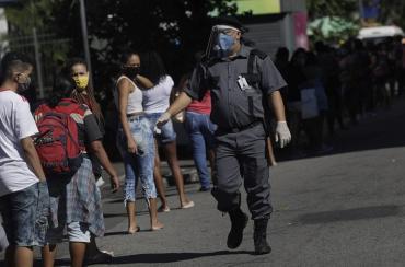 Brasil reportó 956 nuevas muertes por coronavirus y ya es el cuarto país con mayor cantidad de fallecidos