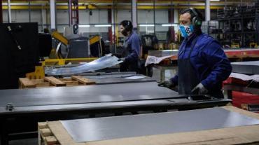 Cuarentena: autorizaron nuevas actividades industriales en ocho municipios de la provincia de Buenos Aires