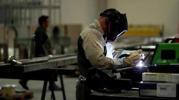 Por cuarentena, la producción de pymes industriales se desplomó 53,1% en abril