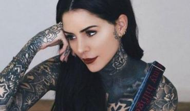 Cande Tinelli, la chica del bikini azul: una bomba explosiva en Instagram