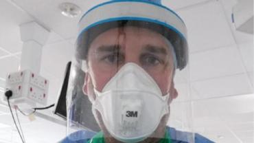 Enfermero que se aplicó vacuna por coronavirus: