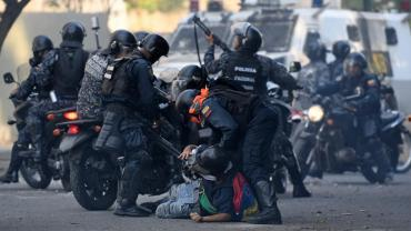 Violencia en Venezuela: siguen las ejecuciones extrajudiciales y el abuso de poder