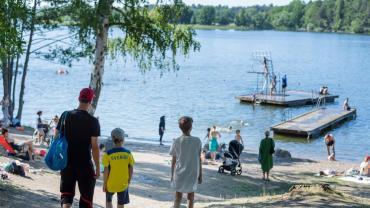 """Coronavirus en Suecia: epidemiólogo calificó de """"terribles"""" las cifras de muertos por COVID-19"""