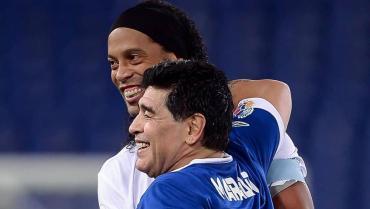Crecen las expectativas de Ronaldinho en Gimnasia de la mano de Maradona