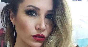 Adabel Guerrero, al borde de la censura de Instagram con sensual foto en blanco y negro