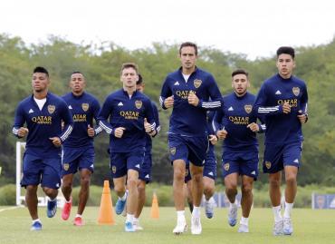 En plena polémica por renovación de Tevez, Boca le comunicó a tres jugadores que no serán tenidos en cuenta