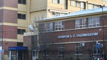 Mendoza: dos médicos del Hospital Lagomaggiore dieron positivo y aislaron a 20 compañeros