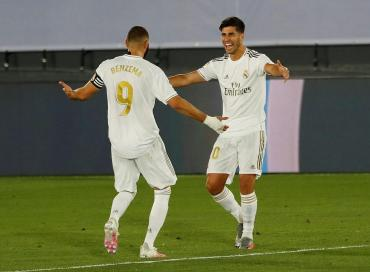 LA LIGA: Real Madrid liquidó al Alavés, quedó a un paso del título y complicó al Barcelona
