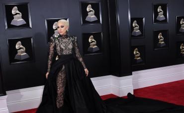 Valentino anunció que Lady Gaga será la imagen de su nuevo perfume