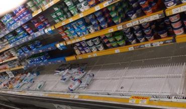Continuará el desabastecimiento de lácteos hasta mitad de semana por conflicto gremial