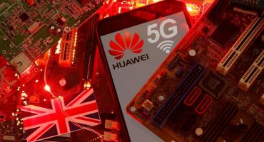 Reino Unido saca a Huawei de red 5G hasta 2027, irrita a China y complace a Trump