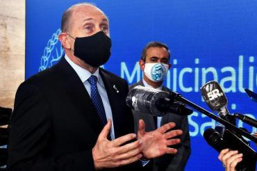 Decisión extrema en Santa Fe: cierran la provincia y nadie puede entrar sin hisopado para coronavirus